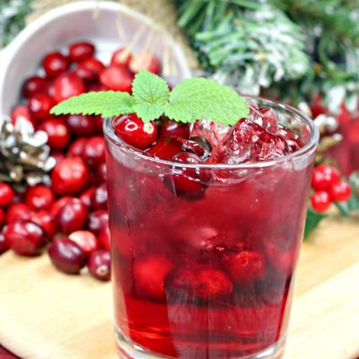 Cranberry Crush Cocktail Perfect for Your Holiday Party
