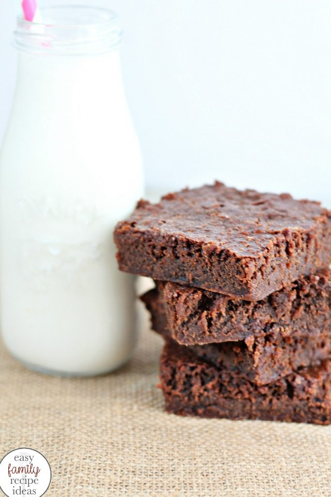 Yogurt Brownies, Healthy Yogurt Brownies, These Healthy Greek Yogurt Brownies are so delicious that no one can tell they're healthy! This healthy brownie recipe is so easy to make. It only takes three ingredients making them perfect party food or snack ideas.