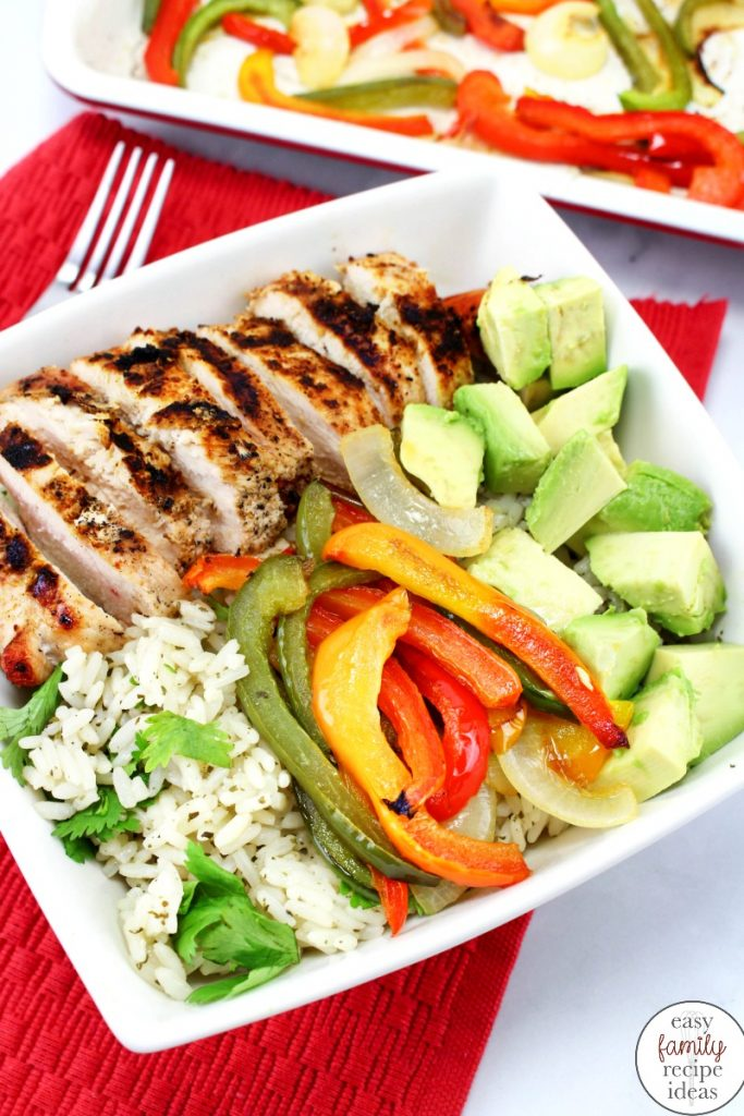 The Best Grilled Chicken Fajita Bowls, easy chicken recipe the whole family loves. Healthy Chicken Fajita Bowls are an easy and delicious chicken dinner idea. And it's an Easy Mexican food that are hearty, full of flavor, and healthy, all while being delicious and kid friendly.