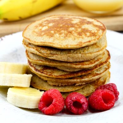 Healthy Banana Pancakes Everyone Will Love