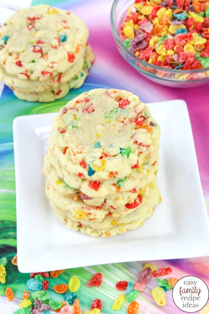 These Funfetti Cookie Bars are scrumptious. Load them up with rainbow sprinkles for a sweet tasty treat. Plus, Funfetti cake mix recipes are the perfect birthday party dessert. Pillsbury Funfetti Cookies and Cake Mix Cookies for your next party food.