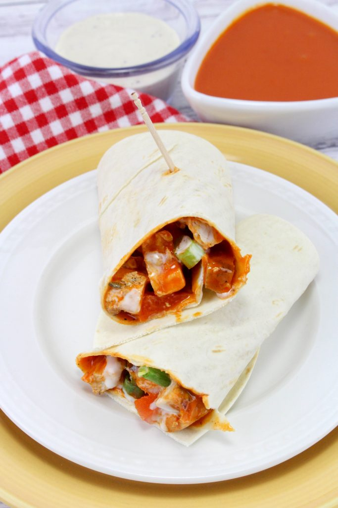 These Buffalo Chicken Wraps are so good and perfect for a summer lunch or dinner idea. Shredded Buffalo Chicken Wraps, These Buffalo Ranch Chicken Wraps only take 5 minutes to make and are full of tasty flavor, Easy and Healthy Chicken Wraps everyone will love!