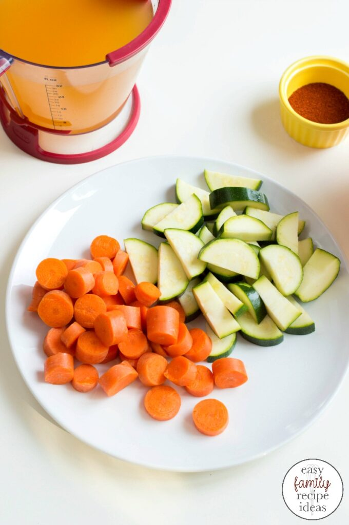 This Instant Pot Vegetable soup is the perfect fall soup! Use up those fresh vegetables that you have in your fridge to create a delicious meal. A perfect Homemade soup recipe and Instant Pot Autumn Vegetable Soup to make for your family, instant pot vegetable soup with fresh vegetables! YUM!