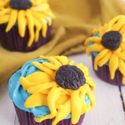 Frozen Cupcakes Anna Inspired Sunflower Cupcakes