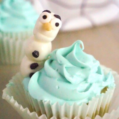 Easy Olaf Cupcakes for a Frozen Birthday Party