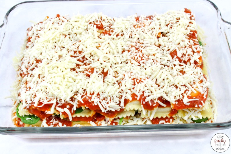 This Baked Ravioli with Spinach is such a delicious and simple meal. It's the perfect weeknight meal for busy families to enjoy. It's time to make this delicious Spinach and mozzarella ravioli dinner that everyone will absolutely love. Baked Ravioli Recipe