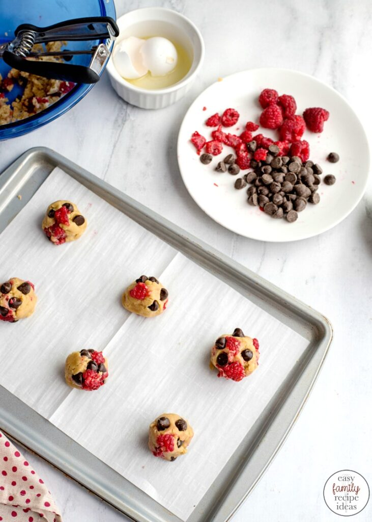 When you're craving cookies, you're going to love these White Chocolate Raspberry Cookies! Just wait until you try this delicious flavor combination. Best Chocolate Raspberry Cookies Ever! A handful of ingredients make these Raspberry Cookies full of yumminess