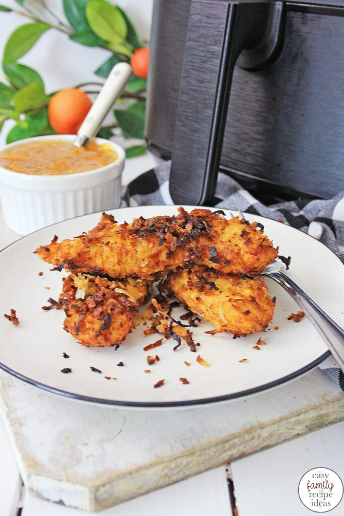 A recipe for Air Fryer Coconut Chicken to make for dinner or any time. This Easy Air Fryer Chicken dinner or lunch recipe needs only 5 ingredients. Coconut Chicken is full of flavor and makes a great healthy meal that is ready in less then 30 minutes.